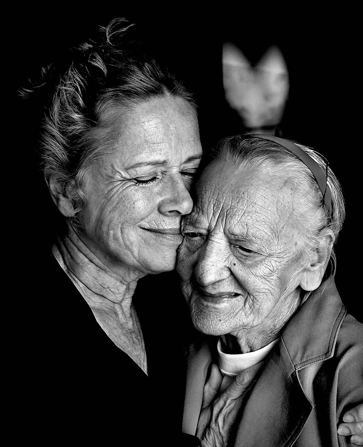 Liv Ullmann och Siri Werkelin.jpg